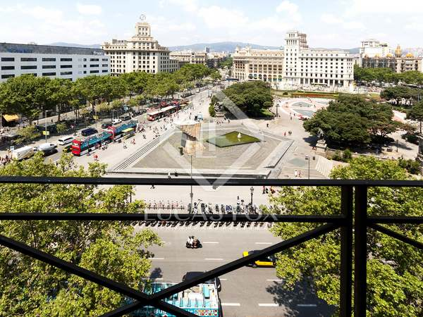 3 properties sold together on Plaza Cataluña, Barcelona