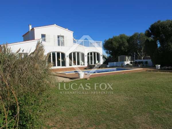 Дом / Вилла 320m² на продажу в Менорка, Испания