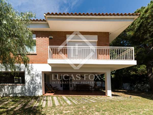 230 m² house with 330 m² garden for sale in El Poal