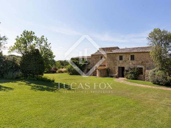 16th century masia for sale in the Baix Empordà