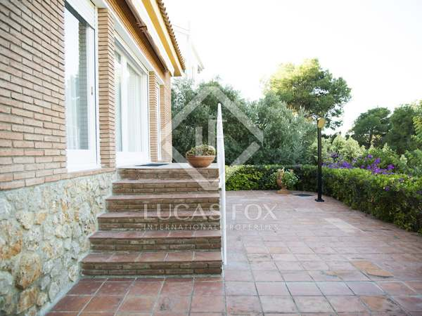 416m² house for rent in Castelldefels