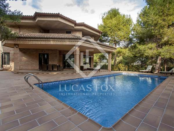 Stunning, new 6-bedroom villa for rent in La Eliana Valencia