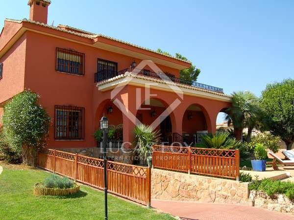 340m² villa for sale in La Eliana, Valencia