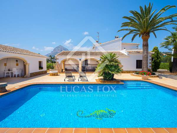 334m² House / Villa with 50m² terrace for sale in Jávea