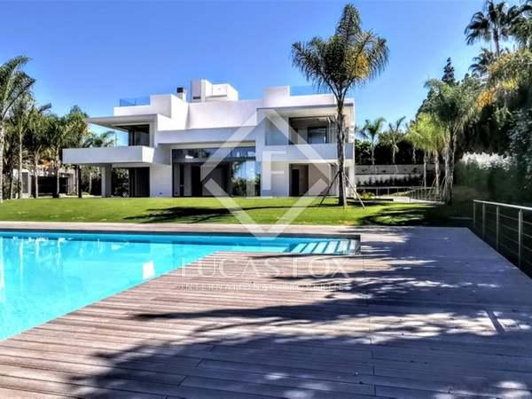1,073m² House / Villa with 2,100m² garden for sale in San Pedro de Alcántara / Guadalmina