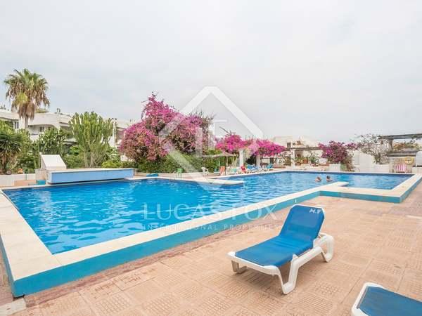 Ático de 103 m² con terrazas en venta en Santa Eulalia, Ibiza