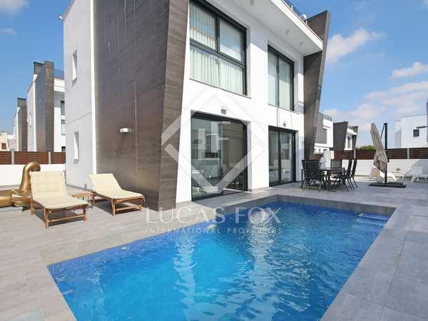 Huis / Villa van 182m² te koop in Alicante ciudad, Alicante