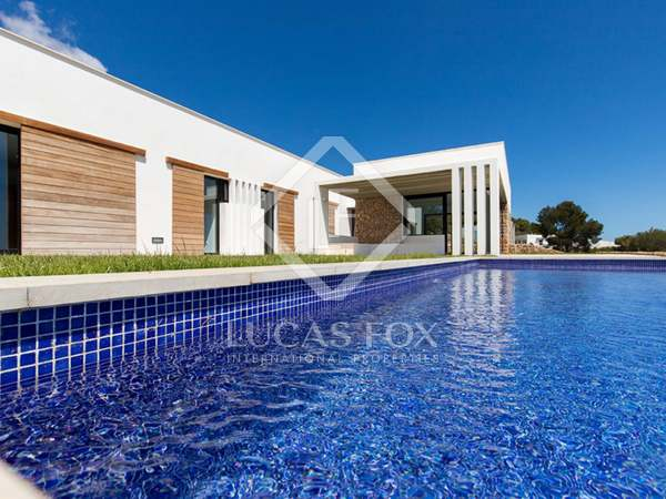 130m² House / Villa for sale in Mercadal, Menorca