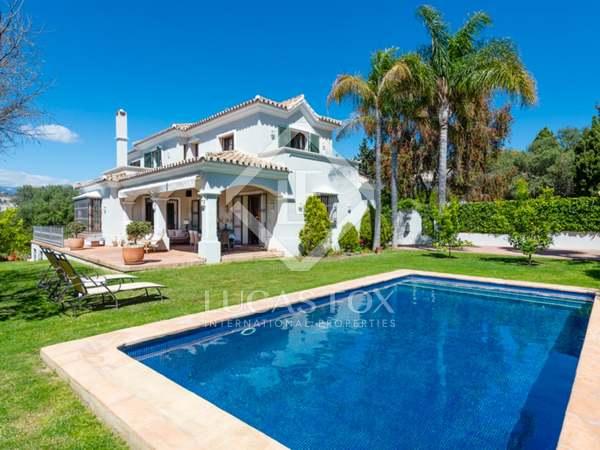 404m² House / Villa with 655m² garden for sale in San Pedro de Alcántara / Guadalmina