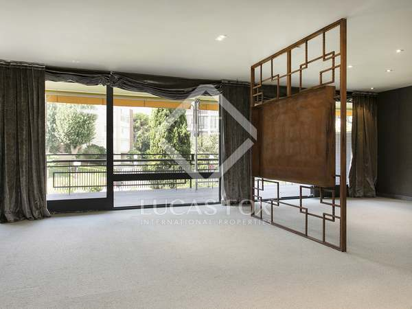 307m² Apartment with 45m² terrace for sale in Pedralbes