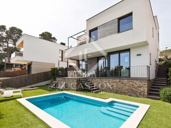 Casa / Villa di 302m² con giardino di 490m² in vendita a Sant Cugat