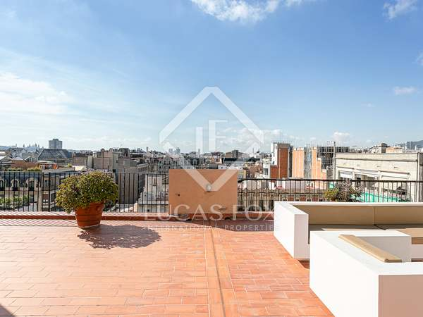 223m² Penthouse with 123m² terrace for sale in Eixample Right