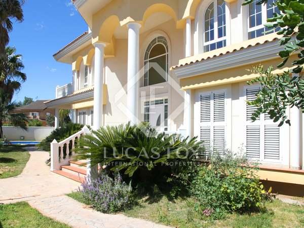477m² House / Villa with 50m² terrace for sale in La Eliana
