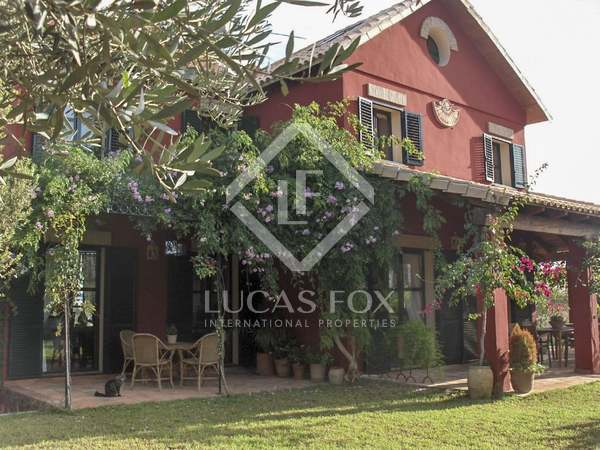 Huis / Villa van 360m² te koop in Dénia, Costa Blanca