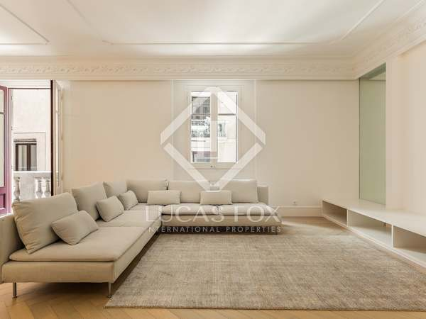 233m² Apartment with 63m² terrace for sale in El Born