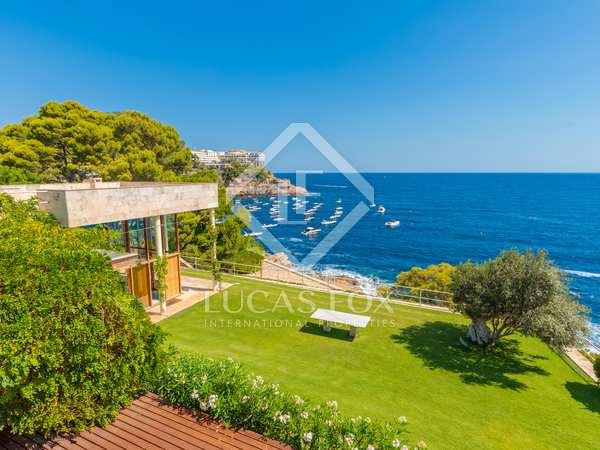423m² House / Villa for sale in Sa Riera / Sa Tuna