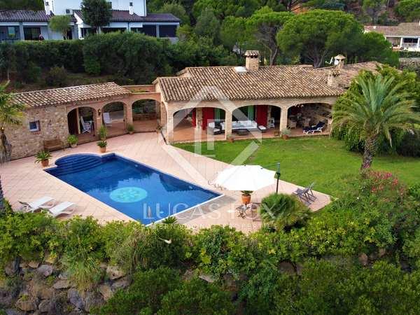 293m² House / Villa for sale in Santa Cristina, Costa Brava