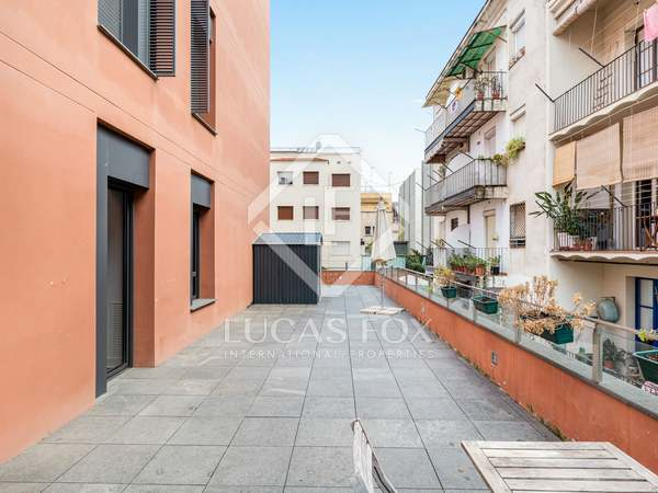 100m² Apartment with 100m² terrace for rent in Gràcia