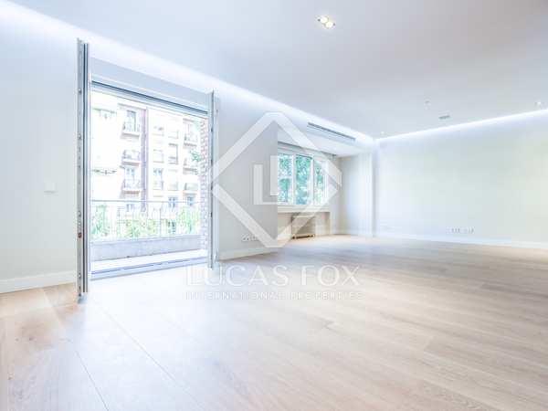 303m² Apartment for sale in Castellana, Madrid