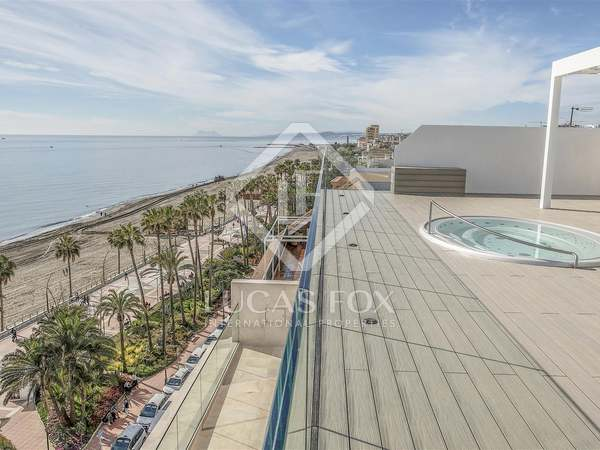 163m² Penthouse with 191m² terrace for sale in Estepona
