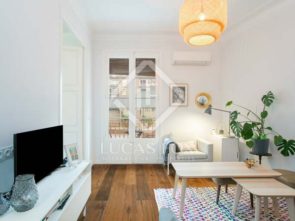 81m² Apartment with 6m² terrace for sale in Eixample Right