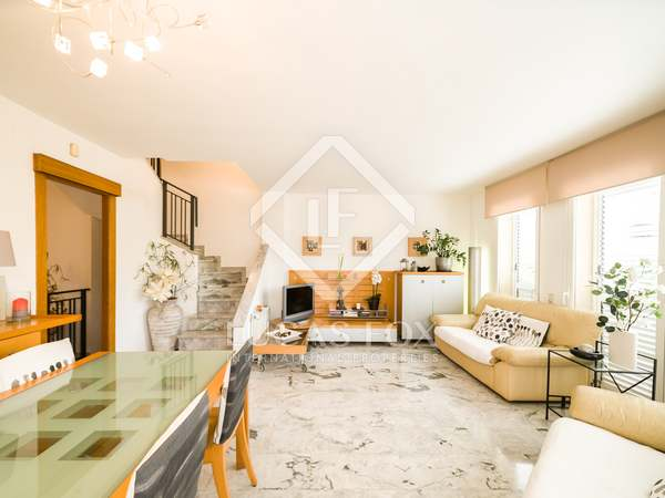 Casa / Villa di 170m² con 47m² terrazza in vendita a Bellamar