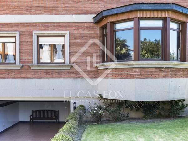 Villa de 407m² en venta en Vigo, Galicia
