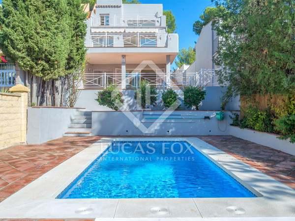 Huis / Villa van 213m² te koop in Nueva Andalucía