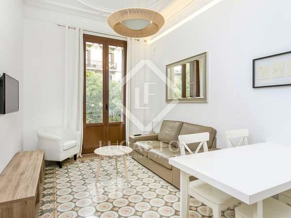 Apartamento de 70m² con 2 balcones en alquiler en Eixample