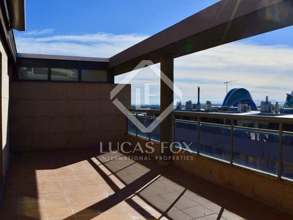 Attico di 211m² con 30m² terrazza in affitto a Ciudad de las Ciencias