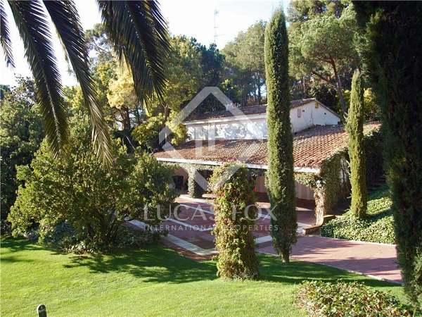 Дом / Вилла 828m² на продажу в Льорет де Мар / Тосса де Мар