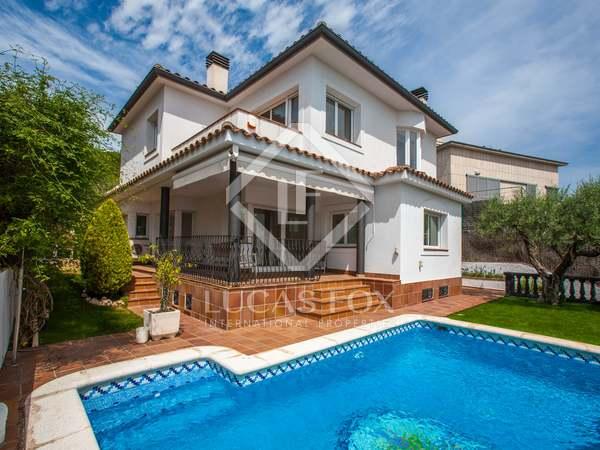 463m² House / Villa for sale in Tiana, Barcelona