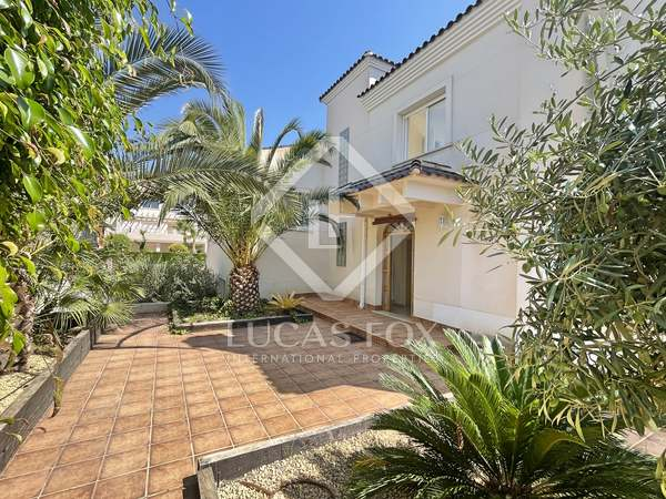 447m² House / Villa for sale in El Campello, Alicante