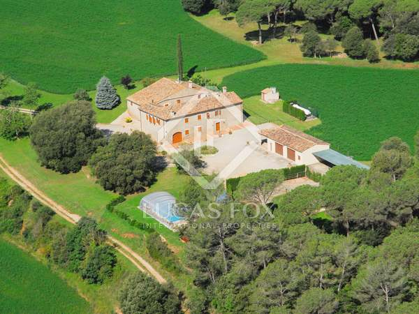 1,100 m² country house for sale in Pla de l'Estany, Girona