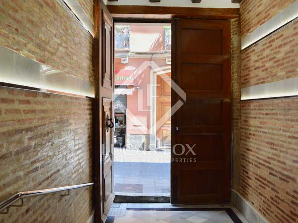 175 m² apartment for sale in El Carmen, Valencia