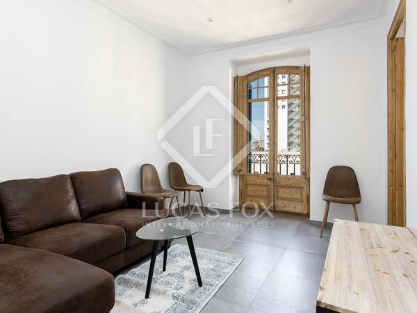 60m² Penthouse for rent in Eixample Right, Barcelona