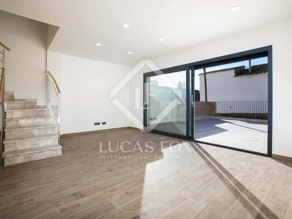 226 m² house with 152m² of terrace space for sale in Tiana