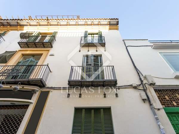 Edificio de 193m² con 40m² de terrazas en venta en Sitges