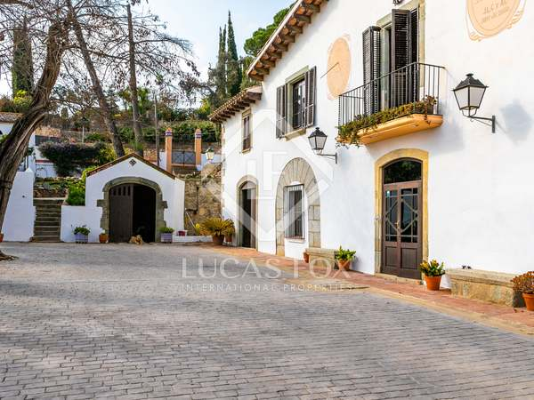 1,033m² Country house for sale in Cabrils, Barcelona