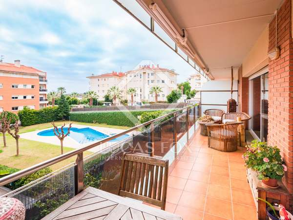 135m² Apartment for sale in Terramar, Barcelona