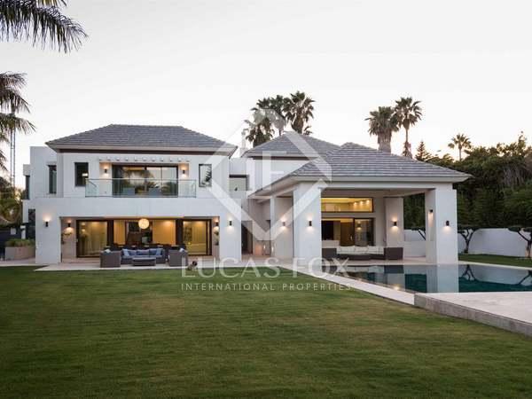 870m² House / Villa with 1,900m² garden for sale in San Pedro de Alcántara / Guadalmina