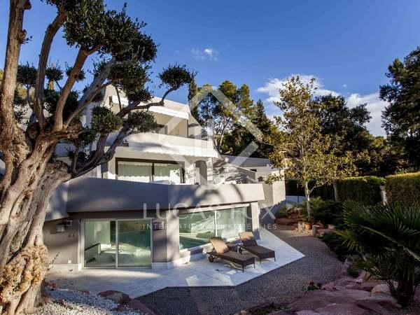 Villa de 800 m² con piscina en venta en Rocafort