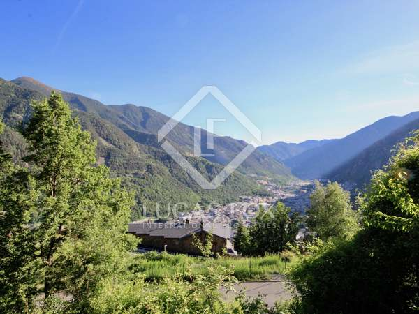 Terreno di 911m² in vendita a Escaldes, Andorra