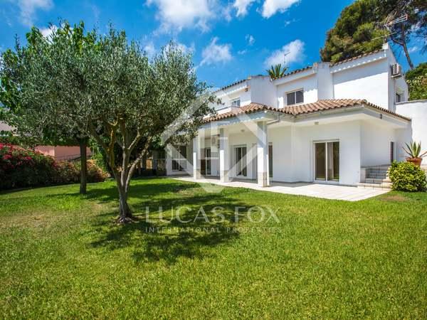 Casa de 449m² en venta a 5 minutos de Argentona, Maresme