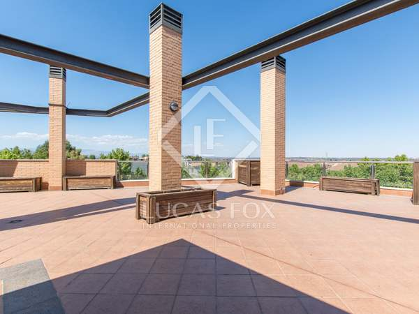 170m² Apartment with 120m² terrace for sale in Aravaca