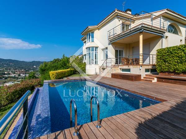 538m² House / Villa for sale in Alella, Maresme
