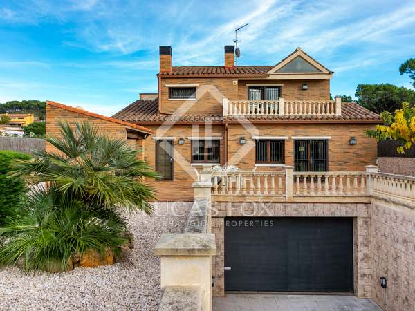 Maison / Villa de 486m² a vendre à Mataro, Barcelona
