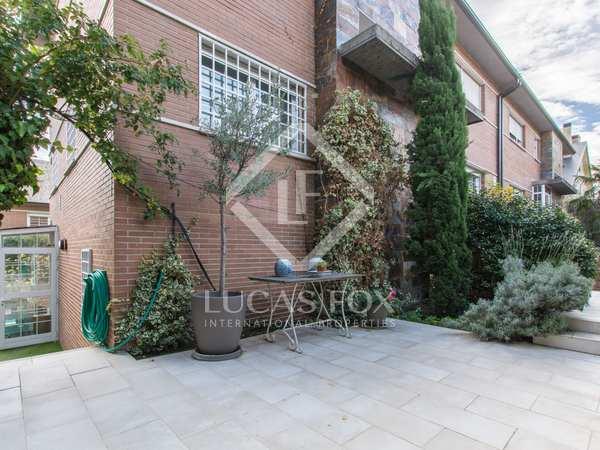 306m² House / Villa with 60m² garden for sale in Aravaca