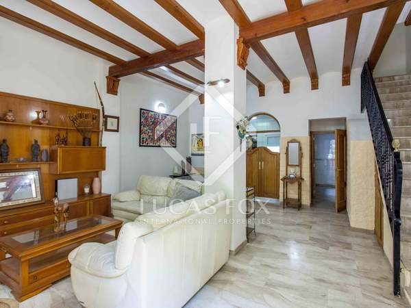 151m² House / Villa with 20m² terrace for sale in Ciudad de las Ciencias