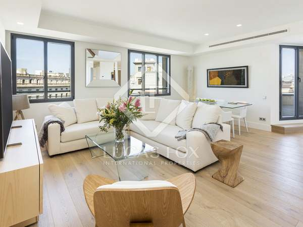 170 m² penthouse with terraces for sale in Eixample Left